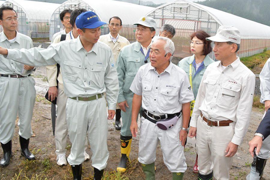 秋田の営農再開 後押し/谷合副大臣 大雨被害の実態を調査